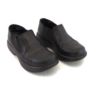 Dansko 37 6.5 Black Low Heeled Loafers Leather